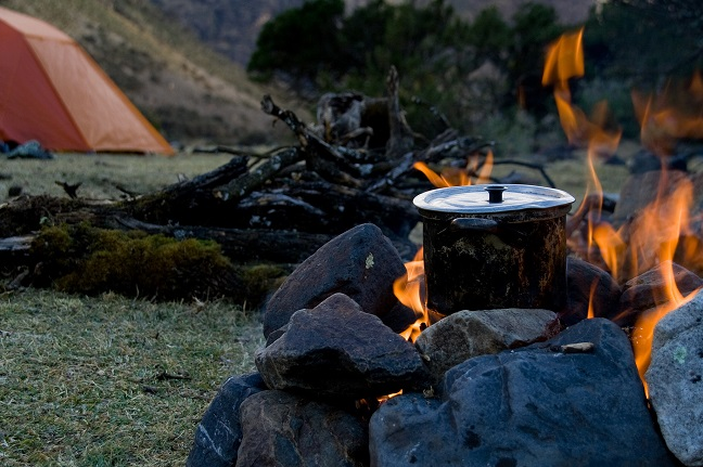No-Utensil-Campfire-Cooking