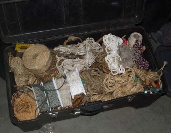 contents of InsaneScouter's rope box